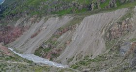 Spatial and temporal surface changes on hillslopes in glacial forefields